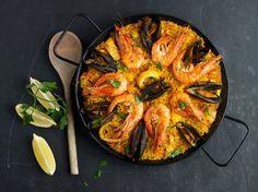 Paella mit Miesmuscheln und Garnelen
