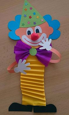 Clown tinker with children for carnival - templates, ideas and instructions - Paper Origami 💡 Clown Crafts, Circus Crafts, Cube Origami, Origami Art, Origami Tattoo, Origami Envelope, Diy Paper, Paper Art, Paper Crafts