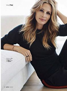 Julia Roberts for Petra Magazie June 2018 Issue 4 - CelebEyes, Get the Latest Celebrity Photos, Hot Celebrity Pictures, Celebrity Hot Pics, Celebrity HD Images & more Hot Celebs at CelebEyes! Professional Headshots Women, Professional Portrait, Business Portrait, Julia Roberts Style, Julia Roberts Hair, Beauty Photography, Portrait Photography, Headshot Poses, Photoshoot Inspiration