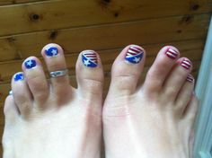 4th of July toe nails :)