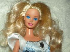 BARBIE VINTAGE INDONESJA 1976 WITH DRESS Barbie, Fashion Outfits, Disney Princess, Stuff To Buy, Ebay, Vintage, Reading, Dresses, Books