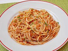 Spaghete cu sos de carne tocata - Bunătăți din bucătăria Gicuței Ale, Food And Drink, Yummy Food, Ethnic Recipes, Pasta Carbonara, Food Ideas, Delicious Food, Ale Beer, Ales