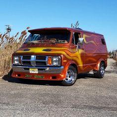 Dodge Van...vk Customised Vans, Custom Vans, Station Wagon, Classic Trucks, Classic Cars, Old School Vans, Day Van, Dodge Van, Van Car