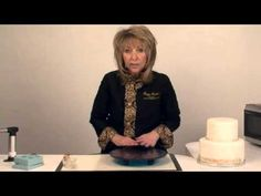 Building an Isomalt Cake Plate with a Winter Wonderland Cake - YouTube