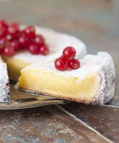 Vit kladdkaka Best Dessert Recipes, Fun Desserts, Sweet Recipes, Delicious Desserts, Cake Recipes, Swedish Dishes, Swedish Recipes, Def Not, Chocolates