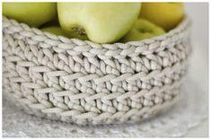 bandorka: Košíček na kupu jablíček :) Merino Wool Blanket, Kos, Diy And Crafts, Basket, Knitting, Crocheting, Chrochet, Tricot, Breien