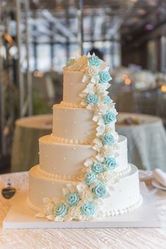Wedding Cake Inspiration - Photo: A Day Of Bliss Photography
