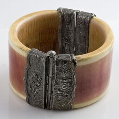 Vintage, pre-ban stained ivory silver hinged bangle, India - to buy on Earthlyadornments... - 320$