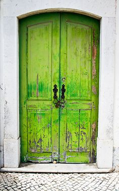Lime green door in white wall, Tavira, Portugal Green Front Doors, Front Door Colors, Cool Doors, Unique Doors, Door Knockers, Door Knobs, When One Door Closes, Grand Entrance, Doorway