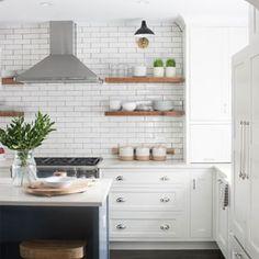 Five Types of Kitchen Open Shelving: Which One Fits Your Kitchen? Five Types of Kitchen Open Shelving: Which One Fits Your Kitchen? Kitchen Stools, New Kitchen, Kitchen Decor, Kitchen Cabinets, White Cabinets, Kitchen Counters, Kitchen Islands, Bar Stools, Küchen Design