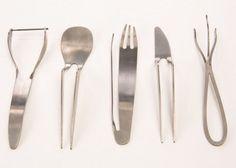 O designer israelense Leen Ben David criou a série 'Very Specific' ('Muito específico', em português). O artista reuniu cinco talheres considerados 'desnecessários' na cozinha e destinou-os 'uma nova função'.