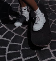 Best Picture For Skateboarding girly For Your Taste You are looking for something, and it is going to tell you … Bad Girl Aesthetic, Aesthetic Grunge, Aesthetic Photo, Aesthetic Filter, Tumblr Skate, Sneaker Trend, Sneaker Outfits, Skater Girl Outfits, Skate Girl