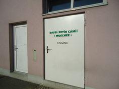 Fetih Moschee - Basler Muslim Kommission Muslim, Lockers, Locker Storage, Home Decor, Mosque, Door Entry, Decoration Home, Room Decor, Locker