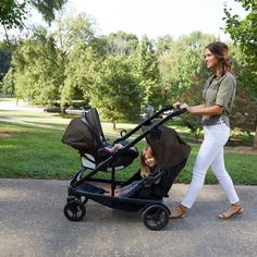 The Graco Travel System transitions from a single stroller into a double and allows 18 ways to ride with 1 or 2 children. Includes the SnugRide SnugLock 35 Click Connect Infant Car Seat for easy traveling in and out of a car with baby. Best Double Stroller, Single Stroller, Double Strollers, Cute Baby Strollers, Toddler Stroller, Baby Equipment, Baby Bassinet, Baby Cribs, Baby Necessities