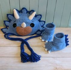 Captivating All About Crochet Ideas. Awe Inspiring All About Crochet Ideas. Crochet Winter, Crochet For Kids, Crochet Baby, Baby Winter Hats, Baby Hats, Crochet Dinosaur Hat, Baby Kostüm, Crochet Photo Props, Dinosaur Costume
