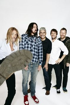 Foo Fighters is an American alternative rock band formed in Seattle in It is also my favorite fucking band in the world. Welcome to my foo world x Foo Fighters Dave Grohl, Foo Fighters Nirvana, I Love Music, My Music, Music Lyrics, Taylor Hawkins, Country Girl Quotes, Girl Sayings, Country Girl Problems