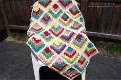 Tığ işinden güzel bir battaniye yapımı daha. Bu modeli birçok örgü modelinde kullanıyoruz. Hırka modellerinde , battaniye modellerinde, şal modellerinde, k