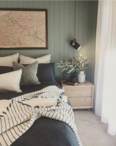 With the change of the season, many homeowners feel inspired to decorate and remodel their homes. To help you with your spring interior design efforts, I share my top ten decorating tips and tricks to help you decorate like a pro! Boys Bedroom Decor, Dream Bedroom, Home Bedroom, Master Bedroom, Luxurious Bedrooms, Cheap Home Decor, Home Interior Design, Interior Decorating, Leather Bed