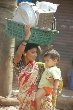 Mumbai, India Hey capitalist, this is called hard work. Rishikesh, Varanasi, Body Painting Festival, Village Photography, Amazing India, India Culture, Indian People, Beautiful Girl Image, Beautiful People