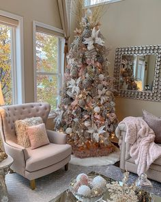 Are you ready for Christmas inspiration? Take a look at our fabulous Christmas tree and Christmas decoration ideas. These fabulous Christmas ideas Beautiful Christmas Trees, Elegant Christmas, Christmas Home, Christmas Offers, Christmas Living Rooms, Christmas Island, Magical Christmas, Christmas Vacation, Christmas Music