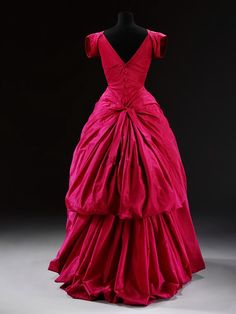 "Stalking the Belle Époque: Serious Style: A Balenciaga ""Balloon"" Evening Dress, 1950"