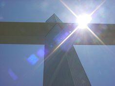"""O Que é a Mensagem da Cruz? III Hoje finalizaremos nossa série de pastorais sob o título """"O que é a mensagem da cruz?"""" Já aprendemos pelo menos duas grandes características I Co 2.1-5 que evidenciam o seguinte:"""