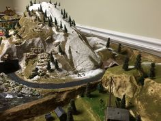 More model railroad tips and pics Ho Trains, Model Trains, Garden Railroad, Living In Arizona, Miniature Plants, Great Hobbies, Model Train Layouts, Christmas Villages, A Whole New World