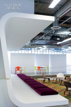 5 Airport Lounges Interior Design That Will Inspire You To Travel Corporate Interiors, Corporate Design, Office Interiors, Retail Design, Airport Lounge, Office Lounge, Commercial Design, Commercial Interiors, Renovation Budget