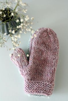 One-finger-gloves in powder pink