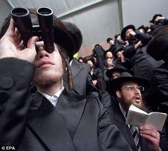 Orthodox Jewish clothing | Fiddler | Pinterest | Clothing