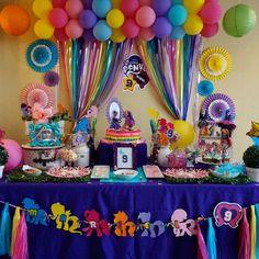 My Little pony My Little Pony Party, Cumple My Little Pony, Unicorn Birthday Parties, Unicorn Party, Birthday Party Decorations, Rainbow Dash Birthday, Girls Party, Dora, Rainbow Parties
