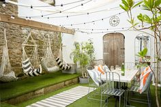 Tucked away in the old quarter of Penzance, Artist Residence Cornwall is a fun & friendly boutique hotel with 22 bedrooms and a cottage. Cafe Interior Design, Cafe Design, House Design, Restaurant En Plein Air, Outdoor Cafe, Outdoor Decor, Outdoor Seating, Outdoor Restaurant Design, Deco Jungle