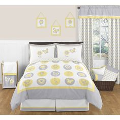 The 3-piece Mod Garden full/queen bedding collection will create a fresh sunny setting for your child's room. This adorable girl bedding set features detailed floral and butterfly themed appliques, and embroidery works.