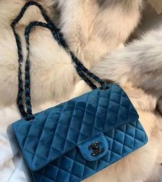 Chanel handbags – High Fashion For Women Chanel Handbags, Louis Vuitton Handbags, Fashion Handbags, Purses And Handbags, Fashion Bags, Burberry Handbags, Fashion Women, Luxury Purses, Luxury Bags
