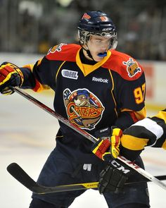 Many people think that the NHL will rig the upcoming draft lottery to put McDavid in a desired location. Ice Hockey Players, Pro Hockey, Nhl Players, Hockey Stuff, Draft Lottery, Connor Mcdavid, Bobby Orr, Hockey World, Wayne Gretzky