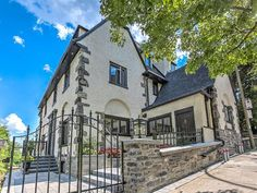 House for sale in Ville-Marie (Montréal) - $2,777,000 Apartments For Sale, Montreal, Mansions, House Styles, Home Decor, Decoration Home, Manor Houses, Room Decor, Villas