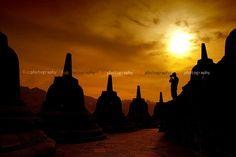 Siluet Motret Candi    Lokasi: Candi Borobudur - Jawa Tengah - Indonesia