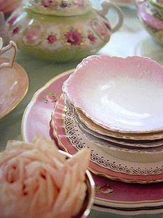 Shabby chic,vintage plates