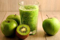 Házi bélradír: készíts rostdús italt reggelire - Csak 195 kalória - Ez a finom, gyümölcsös, zöld ital egészen délig képes csillapítani az éhséget. Apple, Fruit, Food, Apple Fruit, Essen, Meals, Yemek, Apples, Eten
