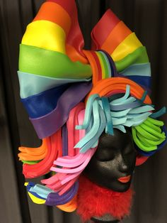 Foam wig made by Allemaal Tejater Halloween Dress, Halloween Costumes, Foam Wigs, Jojo Stands, Wig Making, Over The Rainbow, Hair Pieces, Rainbow Colors, Bows