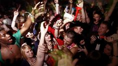 Dutch: man on holiday finds photos of party animals in his house while away.
