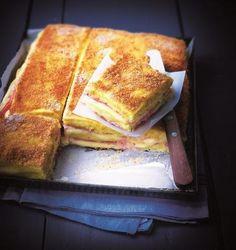 Le croque-monsieur de polenta jambon-fromage.