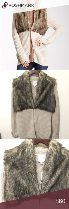 🆕NWT ROMEO & JULIET COUTURE FURRY CARDIGAN NWT SEXY OMG CHIC FURRY CHUNKY CARDIGAN  SIZE SMALL LEN 30 ACROSS CHEST 20 PLEASE ASK ANY QUESTIONS ❤️❤️NEW INVENTORY❤️❤️  ✅BUNDLE AND SAVE ON SHIPPING 20% OFF ON ANY BUNDLES MY PRICES ARE GREAT AND THERE NWT OR NWOT UNLESS STATED  THERE NAME BRAND SELLING THEM FOR CHEAP✅  ***DONT FORGET TO FOLLOW I DELETE AND RELIST***  # GREAT DEALS Romeo & Juliet Couture Sweaters Cardigans