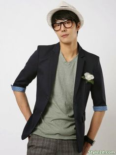korean men fashion 2014 New amazing Colors ...I would opt for no flower.