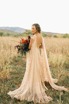 Gold and Crimson Fall Wedding Inspiration - Perfekte Hochzeit How To Dress For A Wedding, Fall Wedding Dresses, Colored Wedding Dresses, Boho Wedding Dress, Wedding Gowns, Wedding Veil, Wedding Mandap, Wedding Receptions, Gold Wedding