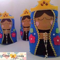 Nossa Senhora Aparecida em Feltro Coisa Linda Diy Angels, T5, Patches, Quilts, Dolls, Christmas Ornaments, Disney Princess, Disney Characters, Crafts