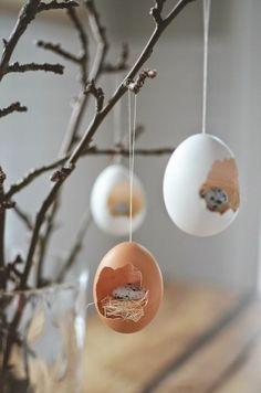dekoideen ostern eierschalen aufhängen zweig dekorieren