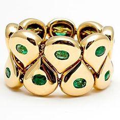 Google Image Result for http://eragem.com/media/catalog/product/cache/1/image/300x/5e06319eda06f020e43594a9c230972d/w/m/wmv5952i-Chaumet-emerald-link-chain-ring-18k-gold.jpg