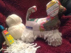 Kreakipje: Papier Maché hond Diy Crafts To Do, Crafts For Kids, Arts And Crafts, Cycling Art, Crochet Crafts, Holidays And Events, Baby Car Seats, Book Art, Projects To Try
