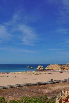 Se ainda vai até ao Algarve, não perca a oportunidade de passar pelas melhores praias da região. Siga-nos! #viaverde #viagensevantagens #Portugal #praias #sol #verão #Algarve